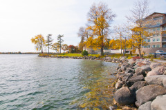 Autumn-at-Orhard-Point-Harbour